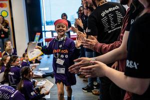 """Mastercard acerca Girls4Tech™, su plataforma de formación STEM dirigida a niñas, a la """"España vaciada"""""""