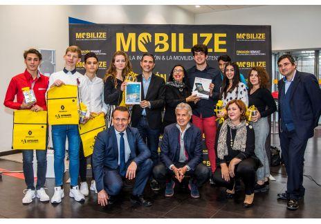 """Un Instituto de Alcalá de Henares gana el concurso """"Your ideas, your initiatives"""""""