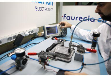 El Grupo Renault prolonga la vida de sus piezas electrónicas con Faurecia