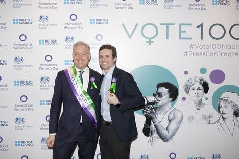 Simon Manley, Embajador de Reino Unido y Pablo Casado.