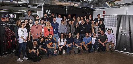 Los ganadores del primer hackathon a bordo de un AVE trabajarán para mejorar la experiencia del viajero de Renfe