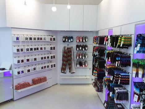 Flagship Store de Happy Socks abre en el C.C El Triangle