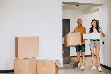 Hipotecas para jóvenes: cada vez se ofertan menos por las sucesivas crisis en el sector