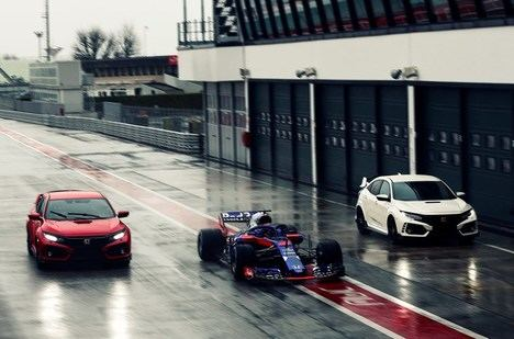 Los pilotos del equipo Toro Rosso eligen el Honda Civic Type R