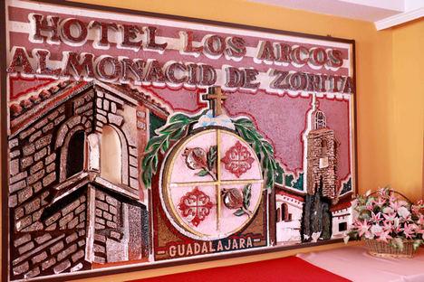Hostal Los Arcos, un negocio familiar con más de treinta años de historia en Almonacid de Zorita