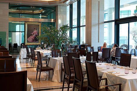 El Hotel Las Arenas apuesta por la gastronomía en formato de cocina continúa