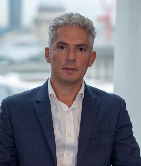 Julien Houdain, Schroders.