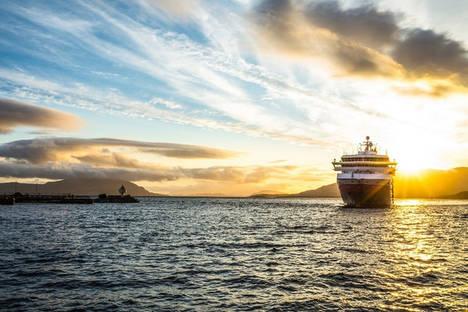 Actividades para disfrutar del sol de medianoche con Hurtigruten