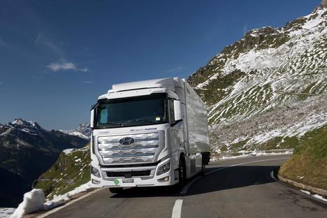 La flota de camiones XCIENT Fuel Cell de Hyundai supera el millón de kilómetros