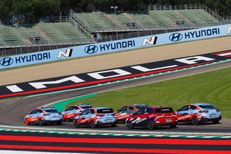 Hyundai exhibirá su completa flota de coches en WorldSBK en Imola
