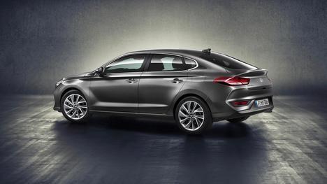 Hyundai i30 1.4 T-GDi 140 Fastback AT 7