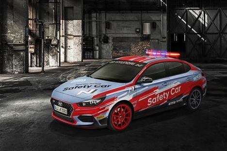 Hyundai desvela el i30 Fastback N Safety Car