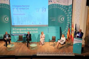 La sociedad civil tiende la mano a la clase política para buscar consensos ante los problemas de España