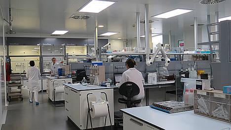 Reig Jofre inaugura un nuevo laboratorio analítico de desarrollo y control de calidad en sus instalaciones de Sant Joan Despí, Barcelona