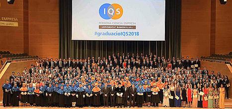 IQS celebra el acto de graduación de la promoción 2018-2019 y concede 12 becas a sus estudiantes de Máster