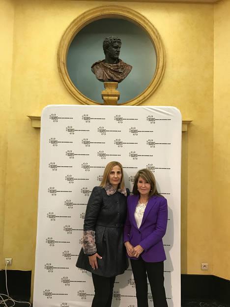 Las empresarias Anna Vicens, de Vicens Vives, e Isabel Alonso, de Transportes Isabel Alonso, galardonadas con los premios IWEC 2016