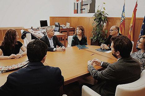 Sareb, firma un convenio con la Universidad de Alicante para innovar en el sector inmobiliario