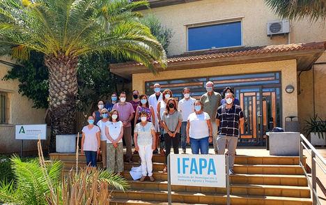 Ifapa La Mojonera y Las Chozas colaboran para avanzar en el aprovechamiento agrícola del alga asiática