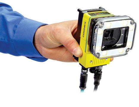 La primera cámara inteligente impulsada por tecnología de aprendizaje profundo un sistema de visión que facilita nuevas inspecciones lineales en las fábricas