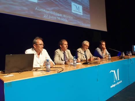 Más de 300 letrados se especializan en la atención a extranjeros que llegan en pateras a las costas de Málaga