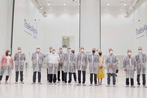 Thales Alenia Space inaugura su nueva sala de integración de satélites en España