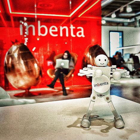 Alphanumeric se alía con Inbenta para llevar la tecnología basada en IA a la atención al cliente