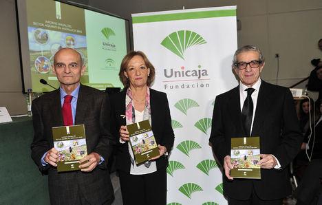 """La Fundación Unicaja publica el """"Informe Anual del Sector Agrario en Andalucía 2015"""", que alcanza su vigésimo sexta edición"""