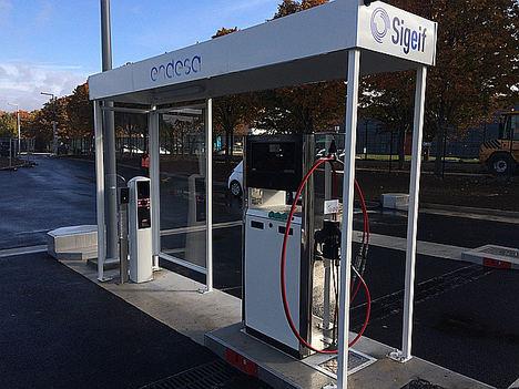 Instalaciones de una de las gasineras de la red de Endesa en Francia.