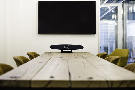 Trust presenta IRIS, una nueva solución para videoconferencia