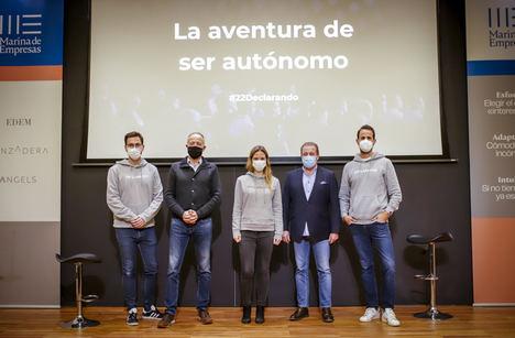 De Izda. a dcha.: Juanjo Traver, Albert Bosch, Marta Zaragozá, Javier Llorden, Declarando.
