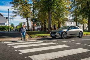 El sonido del Jaguar I-Pace protege a los peatones