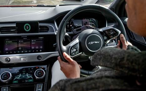 El sistema de infoentretenimiento Pivi Pro de Jaguar Land Rover galardonado