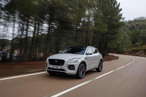 Jaguar, con su tecnología, alerta a los conductores