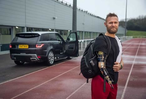 Jaguar Land Rover, acceso sencillo con la puerta de tecnología automática