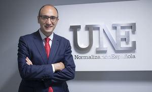 Javier García, UNE.