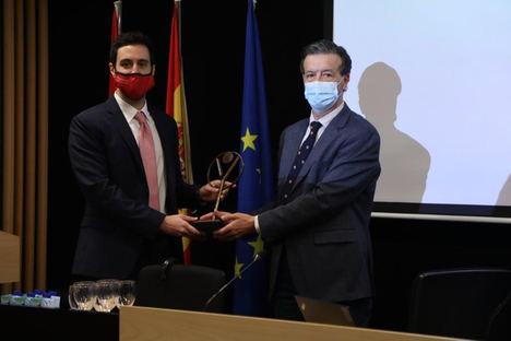 Dos jóvenes investigadores de España, galardonados por contribuir al conocimiento en el ámbito de la Inmunología