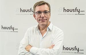 Javier Llanas, Housfy.