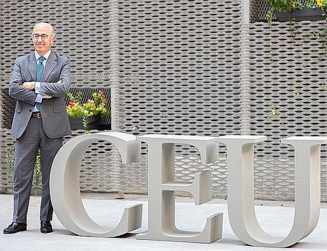 Javier Mª Tello, director general CEU.