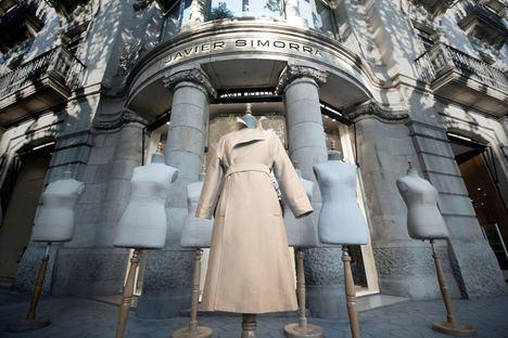 Javier Simorra lanza la primera colección en España de prendas confeccionadas con tejidos que protegen de virus y bacterias