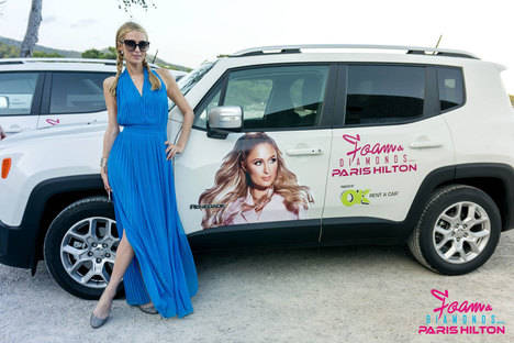 Paris Hilton escoge los Jeep Renegade y OK Rent A Car en Ibiza