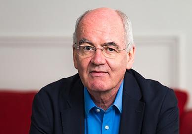"""El experto mundial en sostenibilidad John Elkington alerta de que """"volver al sistema político y económico anterior al Covid-19 sería un verdadero fracaso"""""""