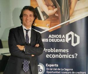 Jordi Pardo,  Adiós a Mis Deudas Abogados.