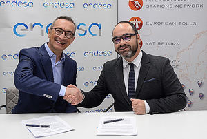 Josep Trabado, director general de Endesa X (izda.) y Miguel Ángel López, Consejero Delegado-CEO de Andamur.