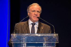 Juan F. Lazcano.