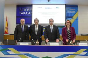 Juan Rosell, Rebeca Grynspan y Fernando García Casas se reúnen con el presidente ejecutivo de CAF, Luis Carranza