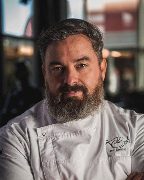 Kiko Solís, chef.
