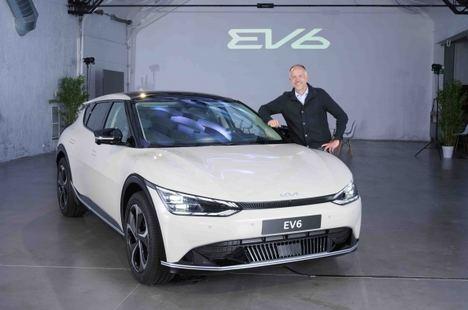 El deportista Albert Bosch ya conoce el nuevo Kia EV6