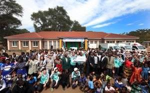 Kia impulsa una escuela secundaria y un centro de salud