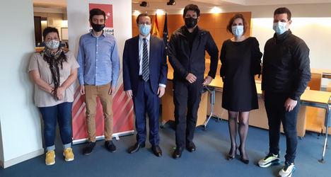 La Comunidad de Madrid respalda a los riders que piden libertad para trabajar como autónomos o asalariados