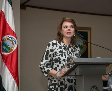 La embajadora de Costa Rica plantea a los alumnos del MSC in Hospitality & Tourism Management los retos del mercado del turismo en Costa Rica